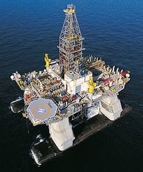 Transocean's Ultra-Deepwater Semisubmersible Rig Deepwater Horizon Drills World's Deepest Oil and Gas Well